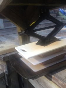 Top With Whole Cutting Board and Car Jack